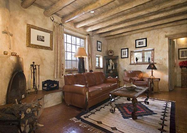 Hotel Pictures: Western Cowboy Two-bedroom Holiday Home, Santa Fe