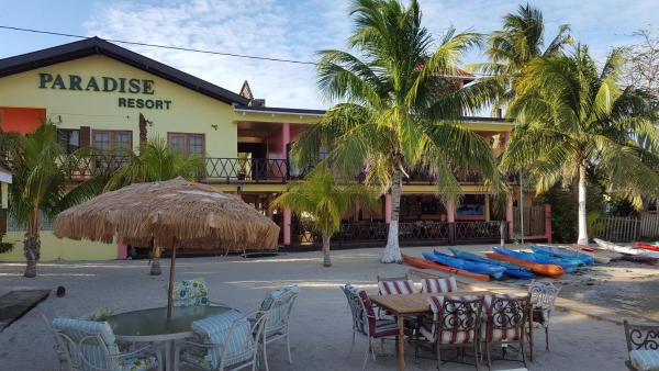 Hotel Pictures: Paradise Resort, Placencia Village