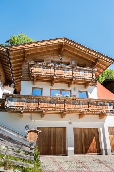 Hotel Pictures: Chalet Schlossblick, Vomp