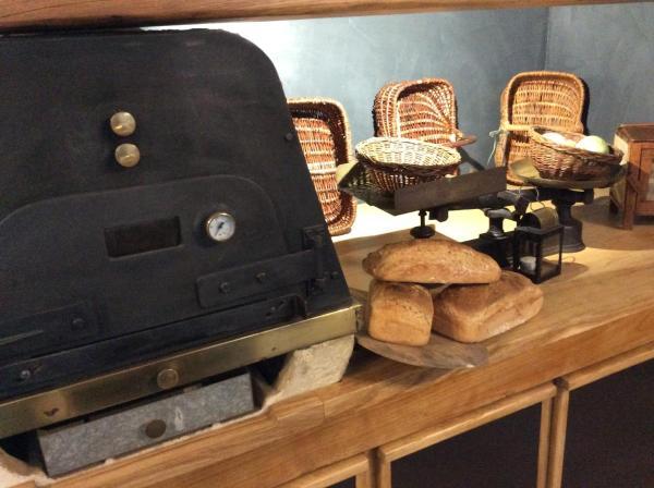 Hotel Pictures: La Maison des Cocottes, Chamboulive