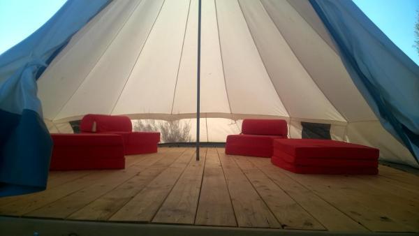 """Hotel Pictures: camping à la ferme """"les Eysserennes"""", Savournon"""