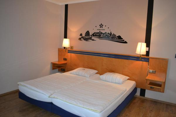 Hotel Pictures: Gästehaus Radler Scheune, Heede