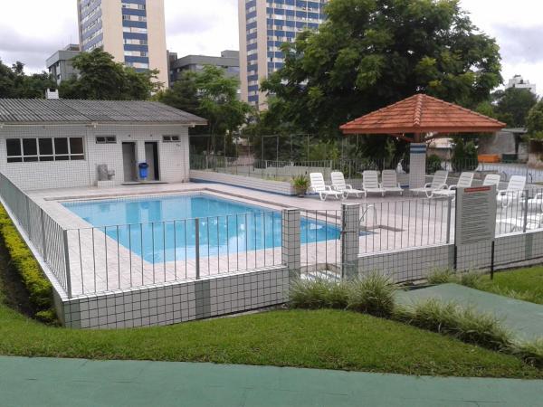 Hotel Pictures: Apto Parque Residencial Ahú, Curitiba