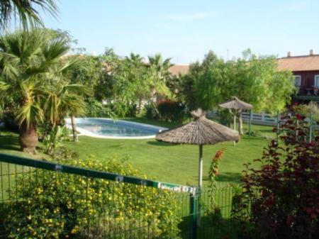 Hotel Pictures: Apartamento Aldea del Coto 256, Chiclana de la Frontera