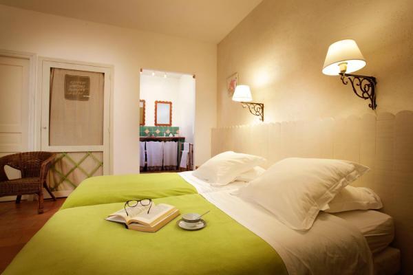 Hotel Pictures: Chambres d'Hôtes Logis de l'Astrée, Saint-Bris-des-Bois