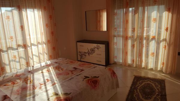 Fotos do Hotel: Faik Shehu Apartments, Durrës
