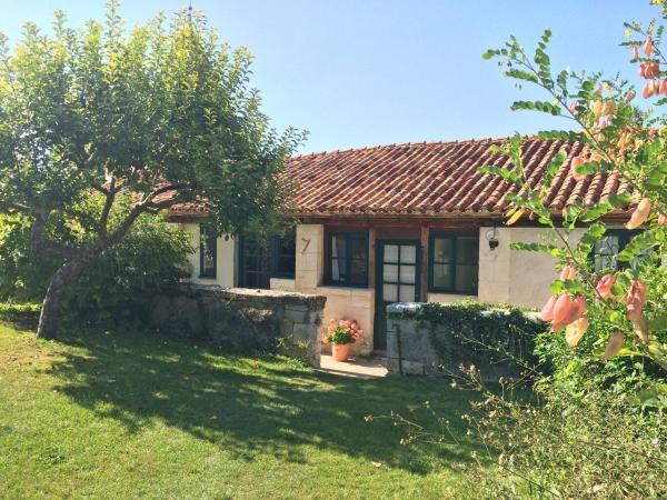 Hotel Pictures: L'Amandier, Manoir de Longeveau, Pillac