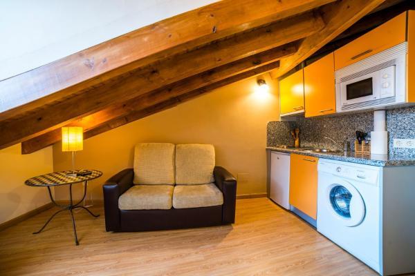 Hotel Pictures: Apartamentos El Cordial De Fausto, Llanes