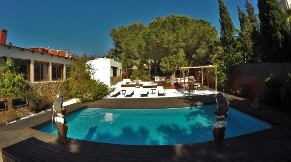 Hotel Pictures: Majestic Villa, Sant Francesc de sEstany