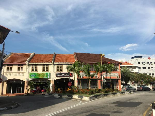 Hotel Pictures: 1921 Art Gallery & Travel Lodge, George Town