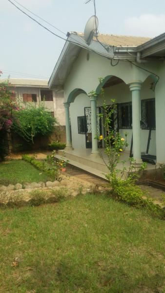 Hotel Pictures: Grande Maison Individuelle, Ekoko II