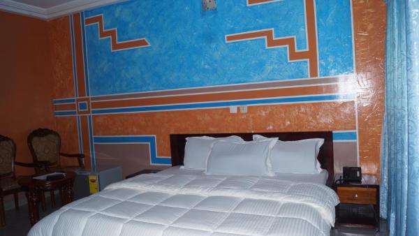 Hotel Pictures: Hotel Lamirol, Abidjan