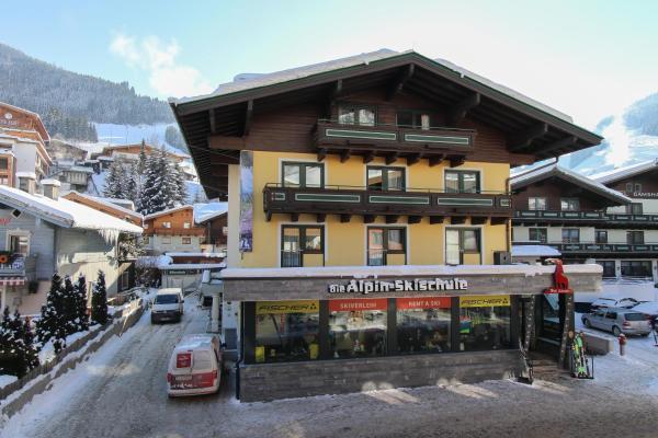 Zdjęcia hotelu: Bike & Ski Hotel Conrad, Saalbach Hinterglemm