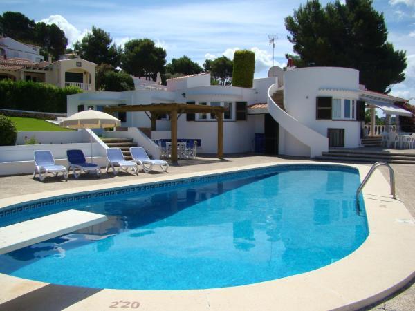 Hotel Pictures: Villa Isabel 206, Son Bou