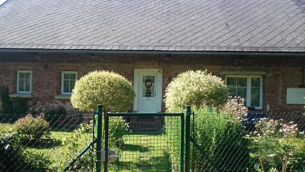 Hotel Pictures: Venkovský dům v Podkrkonoší, Stará Paka