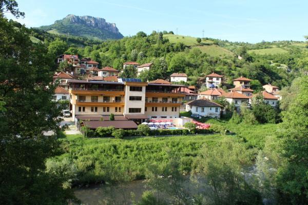 Hotellikuvia: Family Hotel Enica, Teteven