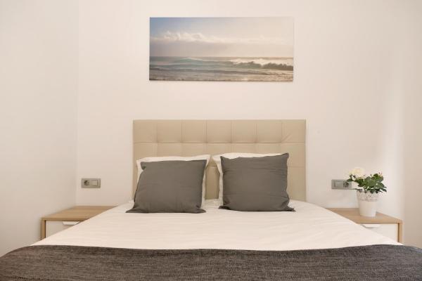 Hotel Pictures: Centric Apartment Gran Via 4, Hospitalet de Llobregat