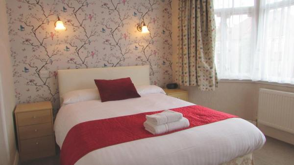 Hotel Pictures: Rhondda Bed and Breakfast, Harrow