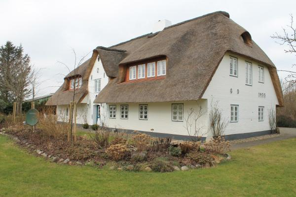 Hotelbilleder: Haus Föhr Ferienwohnung Look Ut, Borgsum