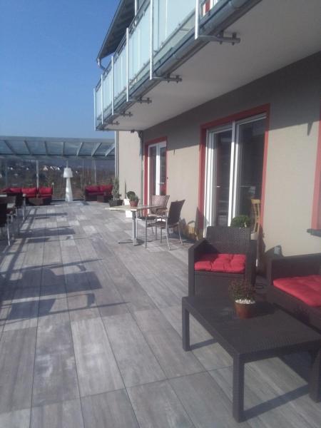 Hotel Pictures: Hotel-Restaurant-Weingut Kapellenhof, Klotten