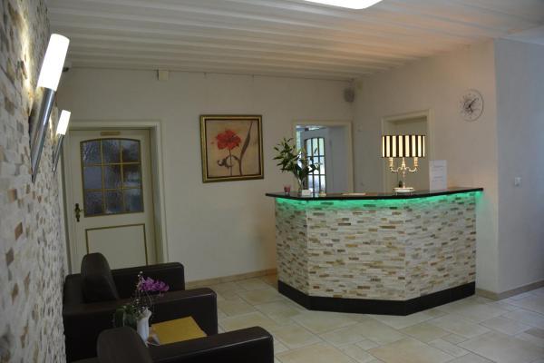 Hotel Pictures: Alpina Hotel, Rosenheim