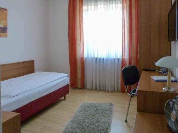 Hotel Pictures: City Hotel, Waldkraiburg