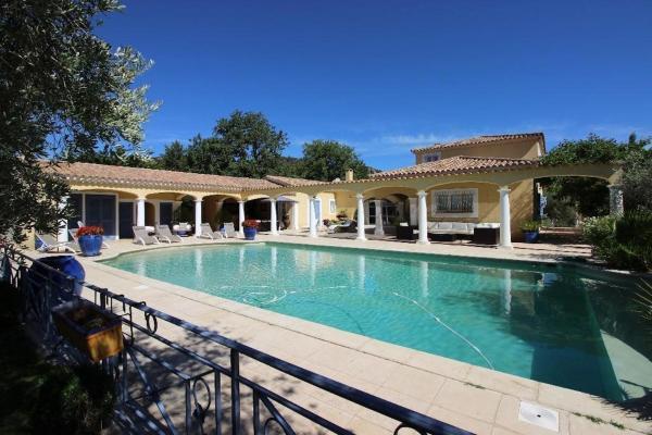 Hotel Pictures: Villa entre Aix et Luberon, Rognes