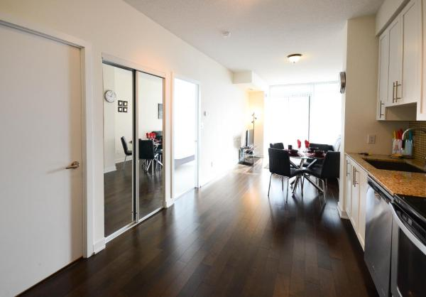 Hotel Pictures: Executive Furnished Properties - Square One Mississauga, Mississauga
