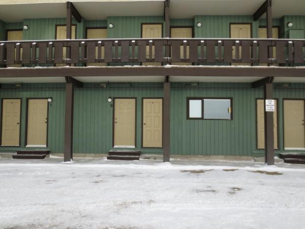 Hotel Pictures: Monashee Inn-Big White Ski Resort, Big White