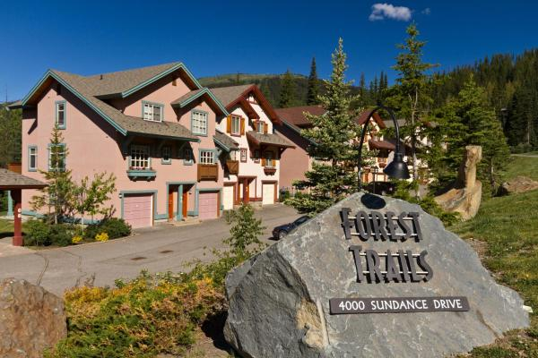 Hotel Pictures: Forest Trails Condos - FT21, Sun Peaks