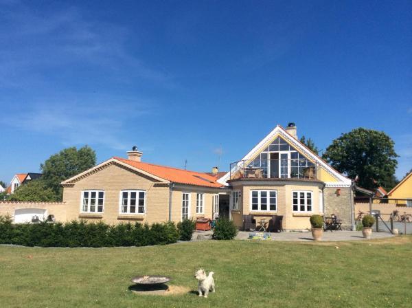 Hotel Pictures: Langø Overnatning, Langø