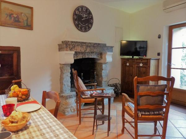 Hotel Pictures: Gite Patio de Mignon, Caunes-Minervois