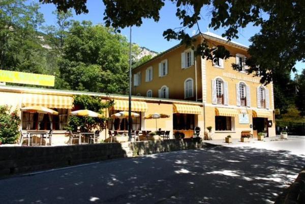 Hotel Pictures: Hôtel La Vallière, Saint-Martin-d'Entraunes