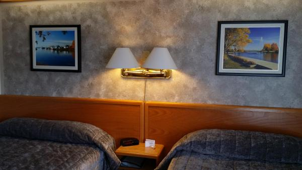 Hotel Pictures: Lakeview Inn, Blind River