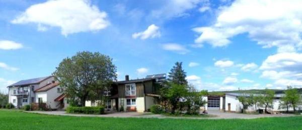 Hotel Pictures: Bio Bauernhof Mueltner, Nordheim vor der Rhön