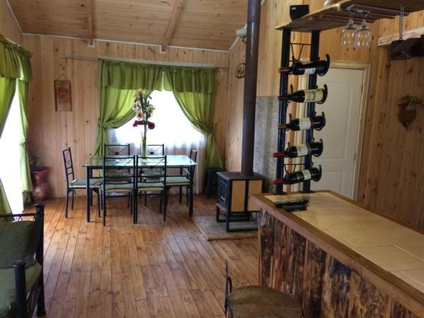 Hotel Pictures: Cabaña En Los Molinos, Valdivia, Valdivia