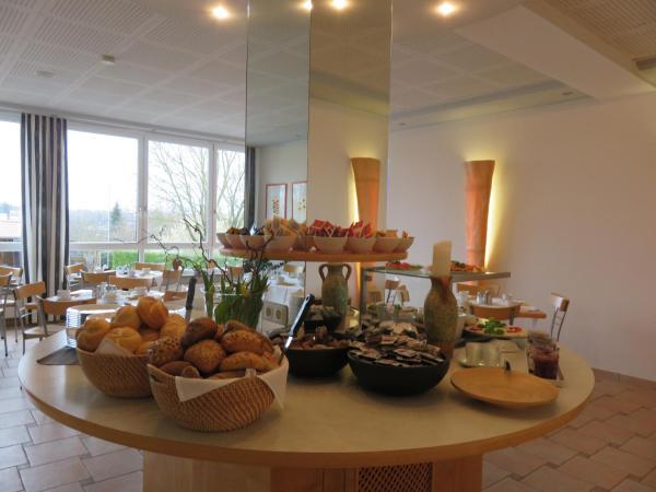 Hotel Pictures: Landhaus Sonnenhof, Langweid