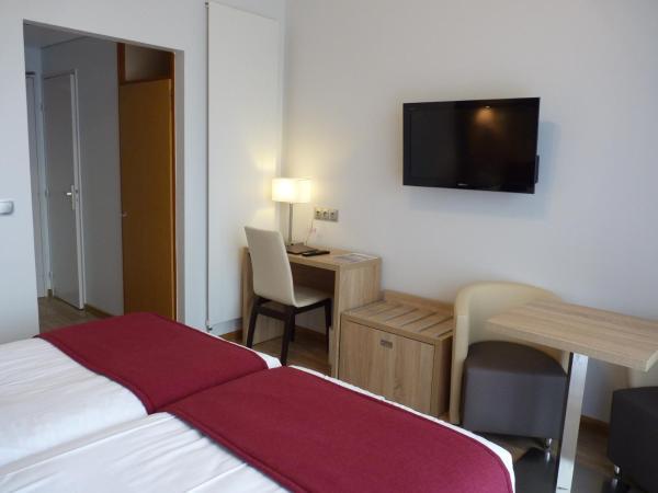 Hotel Pictures: Logis Hôtel Notre-Dame, Danne-et-Quatre-Vents