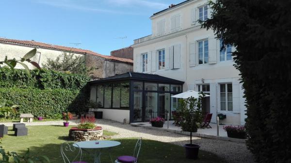 Hotel Pictures: H de Surgères, Surgères