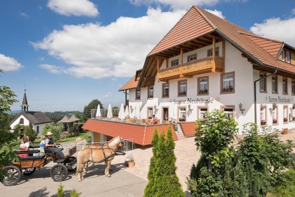 Hotel Pictures: Gasthaus Sonne Neuhäusle, Sankt Märgen