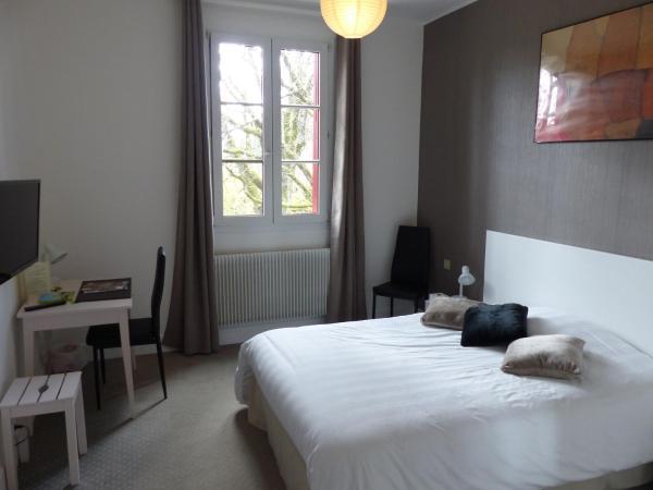 Hotel Pictures: Au Colombier du Touron, Brax