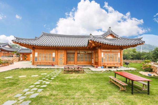 Zdjęcia hotelu: Hanok Garden House Pension, Suncheon