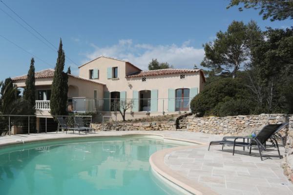 Hotel Pictures: Villa de la Croix des Signaux Château de Pibarnon, La Cadière-d'Azur
