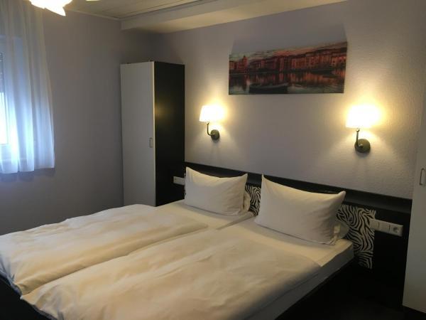 Hotel Pictures: ZIP Hotel, Lingenfeld