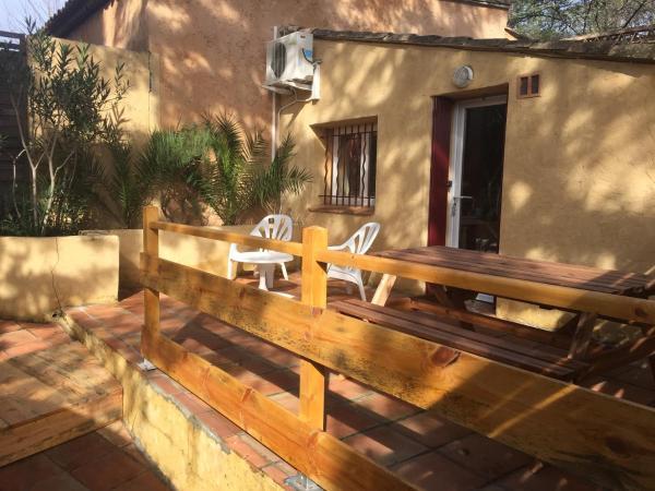 Hotel Pictures: La petite maison d'Athénopolis, Grimaud