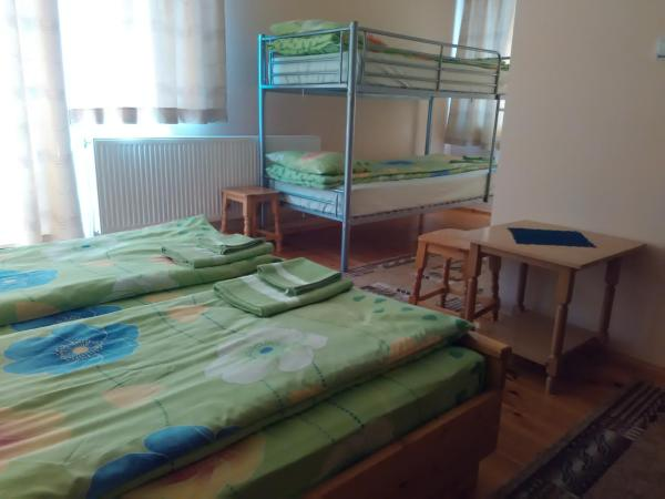 Fotografie hotelů: Konyarskata Kashta Hotel, Mala Tsŭrkva
