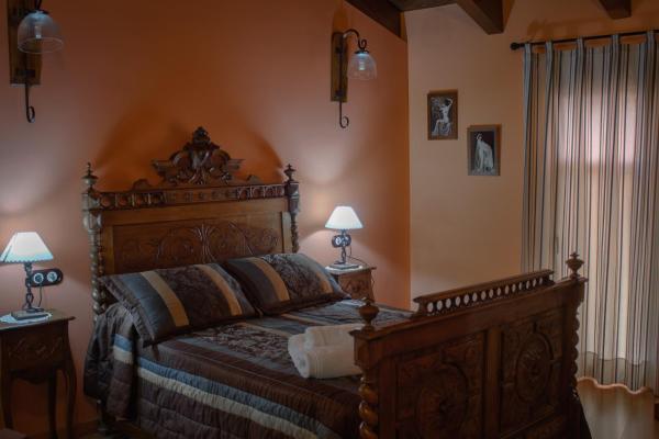 Hotel Pictures: Casa Rural Teresa, Libros