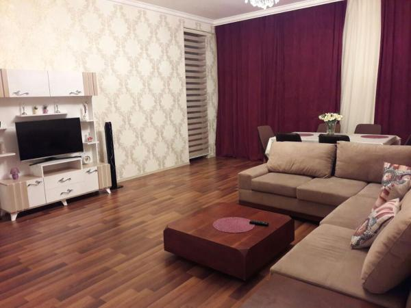 Фотографии отеля: Four season apartment on Semed Vurgun 27, Гянджа