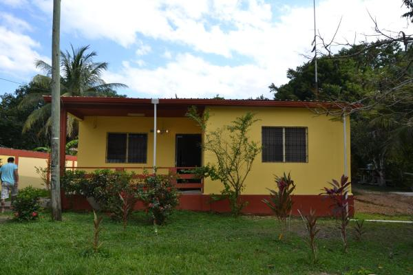 Hotel Pictures: Casa Del Rio, Bullet Tree Falls