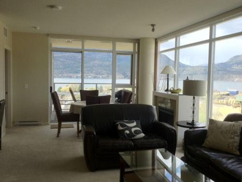 Hotel Pictures: Skye Waterscapes, Kelowna